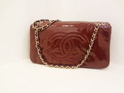 Chanel burgundy chain shoulder bag - $899
